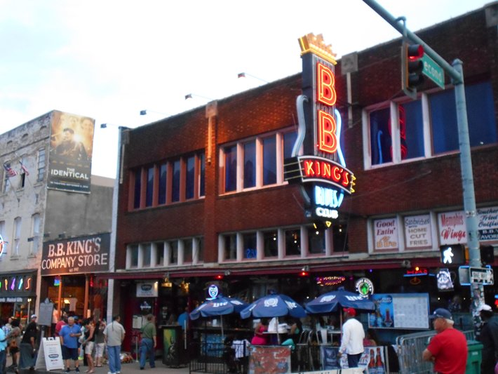 m 17 Beale Street BB King restaurant