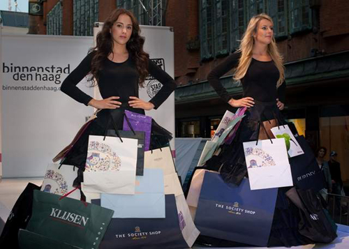 ShoppingNight dames met bags