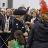 Prinses Beatrix bij onthulling 'Sky Mirror' Museum De Pont in Tilburg: Foto's